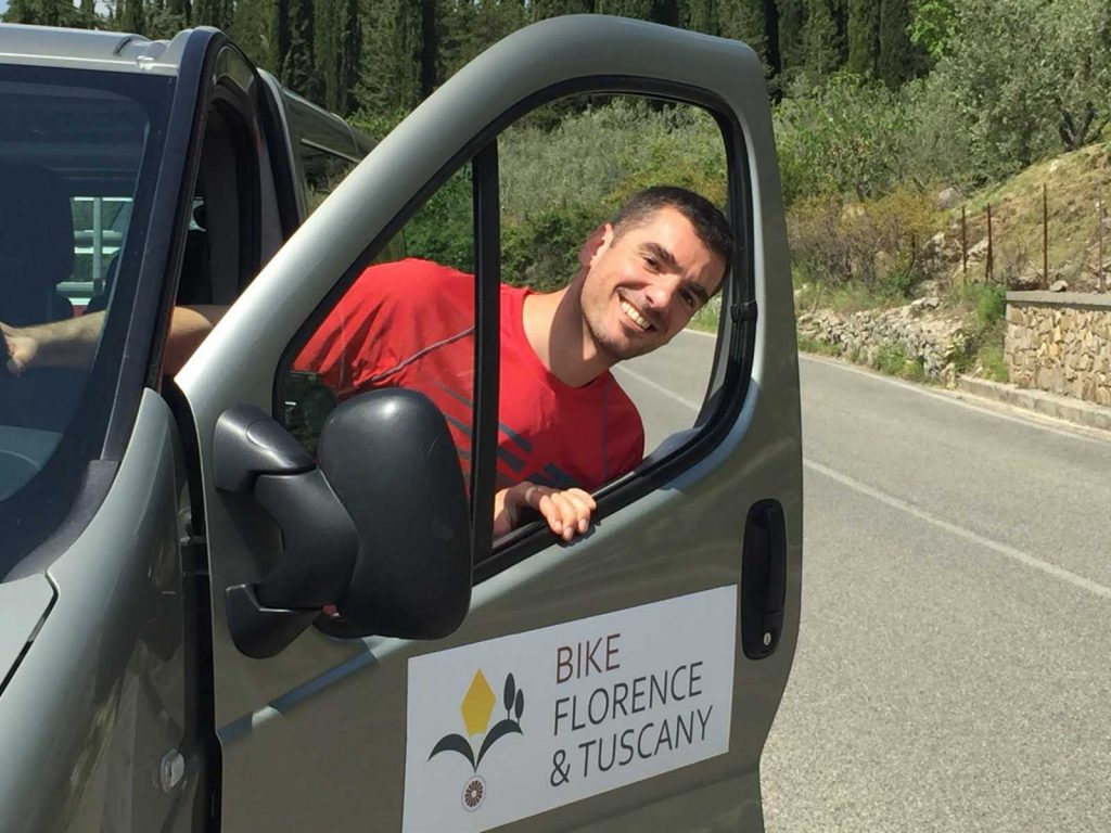 Support van assistance on bike tours in Tuscany with Piero & Elena :: Bike Florence & Tuscany