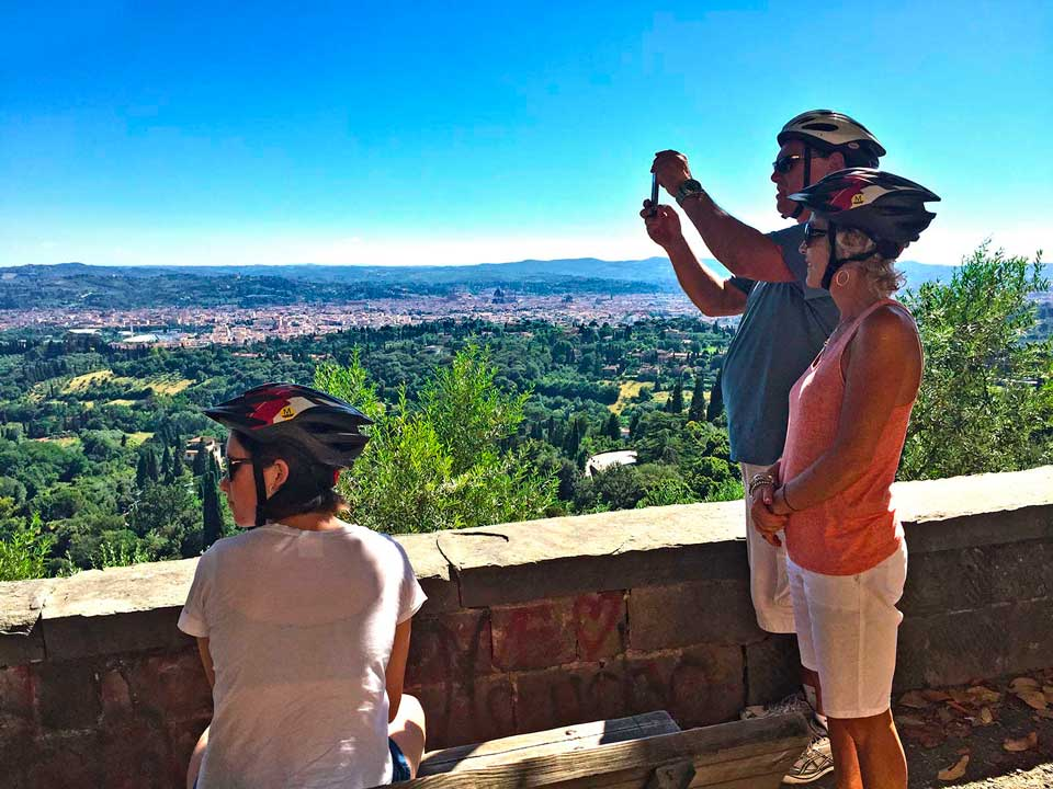 Biking to see the wonderful Tuscan landscape