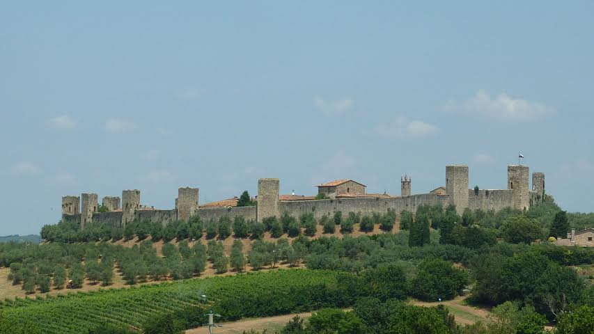 Monteriggioni – one of the most beautiful hilltop town and its ghost