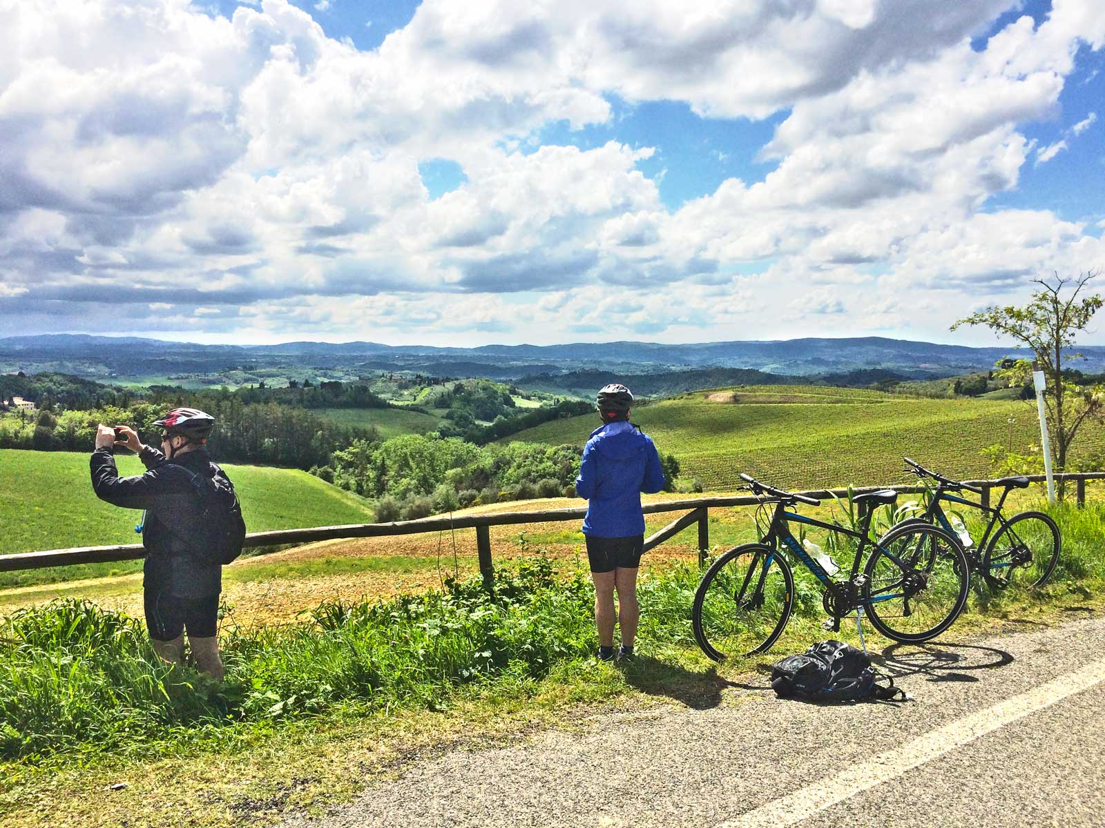 bike-in-florence-Bike-Tours-country-hills-Tuscany