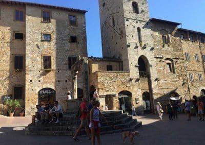 Piazza della Cisterna - San Gimignano Easy bike tour | bikeinflorence.com