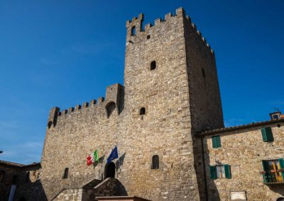 Florence to Siena one-day tour Crossing Chianti to Siena - Castellina in Chianti the Medieval Castle | bikeinflorence.com