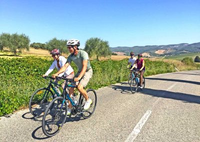 Crossing Chianti to Siena bike tour