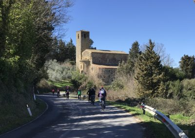 San Gimignano Easy bike tour | leisurely cycling towards the end | bikeinflorence.com